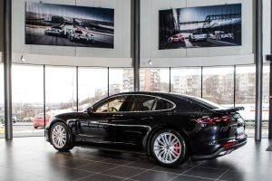 """Naujasis """"Porsche Panamera"""" pasiekė Lietuvą"""
