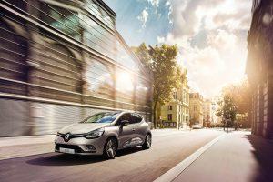 """""""Renault"""" pristato naujausią savo bestselerio """"Clio"""" versiją"""