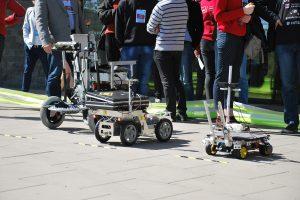 """""""Robotų intelektas 2017"""": varžybose sužibėjo du lietuvių robotai"""