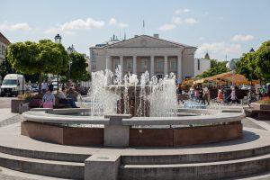 Pradėję veikti sostinės fontanai miestui įkvepia gyvybės