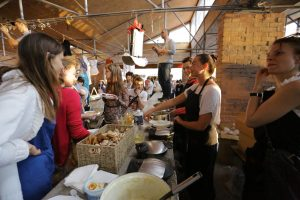 Klaipėdos senamiesčio turguje – šventinės dirbtuvės