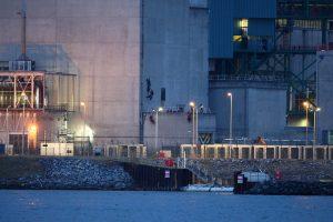 """""""Greenpeace"""" aktyvistai įsibrovė į Prancūzijos atominę jėgainę"""
