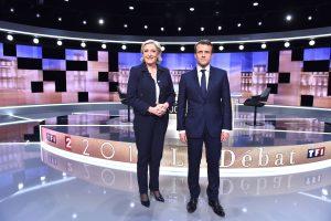 E. Macronas ir M. Le Pen susirungė aršiuose televizijos debatuose