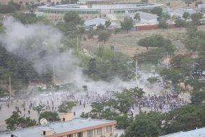 Kabule per laidotuves driokstelėję sprogimai nusinešė 18 gyvybių