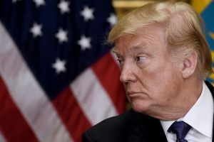 J. Stavridis: vulgariais komentarais D. Trumpas trikdo Amerikos saugumą
