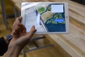 """""""Apple"""" grįžta į mokyklą su naujuoju """"iPad"""" ir programėlėmis"""