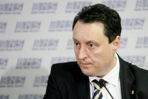 Į Seimą veržiasi dar vienas buvęs ministras