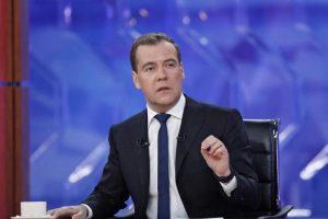 M. Laurinavičius: liko vienintelis kelias – A.Butkevičius turi skambinti D.Medvedevui