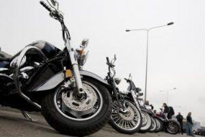 Motociklininkai drausmingais tampa su amžiumi ir patirtimi