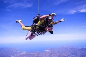 Jūs to nežinojote apie apie šuolį parašiutu: 10 negirdėtų faktų