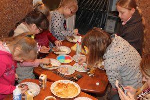 Prieš Užgavėnes – blynų kepimo ir dekoravimo pamokos mažiesiems