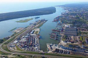 Kvapų sklaida iš uosto įmonių mažės