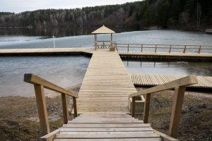 Rekonstruoti visi trys Žaliųjų ežerų poilsiavietės tiltai