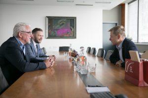 Susitiko Vilniaus ir Farerų salų Klaksviko miestų merai