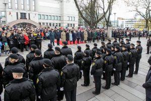 Prezidentė Kaune pasveikino priesaiką davusius kadetus