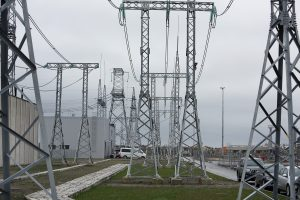 Ekspertas: elektra gali brangti toliau
