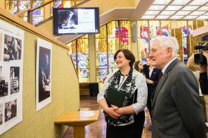 Seimo galerijoje – prezidentui K. Griniui skirta paroda