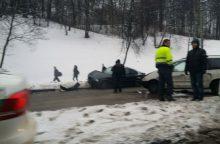 Kaune susidūrė penki automobiliai <span style=color:red;>(jauna moteris nesuvaldė BMW?)</span>