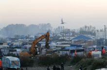 Žiniasklaida: Kalė stovykloje vis dar yra keli šimtai migrantų
