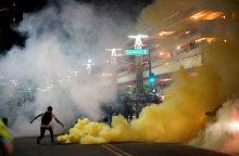 D. Trumpo kalba Finikse išprovokavo demonstrantų agresiją