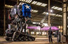Robotų karai: JAV sutriuškino Japoniją