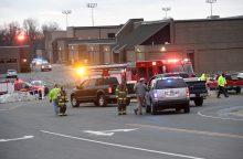 Per išpuolį Kentukio mokykloje nušauti du moksleiviai, 18 žmonių sužeisti