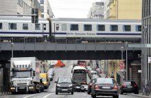 Lenkijoje dėl pranešimo apie padėtą bombą evakuotas traukinys
