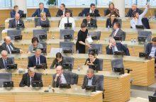 Valdančiųjų planui dėl ministerijų kanclerių kiša koją opozicija