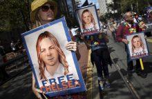 """B. Obama sutrumpino įkalinimo bausmę """"WikiLeaks"""" informatorei"""