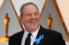 Policija pradėjo tyrimą dėl seksualiniu smurtu kaltinamo Holivudo magnato