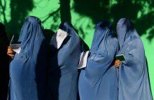 Prie balsavimo punktų Kabule nugriaudėjo keli sprogimai