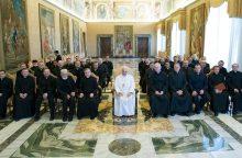 Vatikane – populiariosios politinės dramos gyvenimiška versija