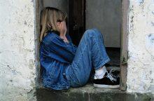 Kodėl svarbu nedelsti pranešti apie skriaudžiamą vaiką?