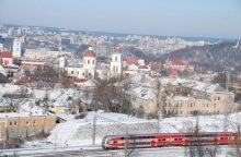 Pasidairyti po Vilnių – pro kalėdinio traukinio langą