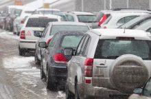 Situacija keliuose: dalis kelių išlieka slidūs
