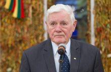 """Prezidentas V. Adamkus taria šimtmečio """"Ačiū"""" už Baltijos kelią"""