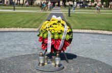 Lukiškių aikštėje vandalai iškasė laisvės kovų dalyvių relikvijas