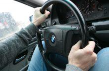 Vilniuje – automobilių kaktomuša: vyrą prie vairo ištiko infarktas