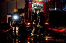 Vilniuje bute kilus gaisrui nukentėjo du vyrai
