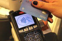 """""""Maximoje"""" jau galima atsiskaityti bekontaktėmis kortelėmis"""