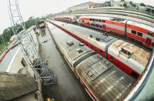 Traukiniai savaitgaliais į pajūrį veš dvigubai daugiau keleivių