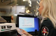 Oro uoste sulaikyti šeši užsieniečiai su suklastotais dokumentais