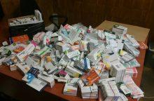 Policija krėtė Aleksoto turgų: aptiko kalną nelegalių rusiškų vaistų