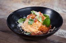 Gardiems pietums – naminė pasta su pomidorais <span style=color:red;>(receptas)</span>