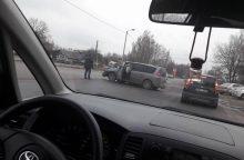 Avarija Ateities plente: vienas vairuotojas išvežtas į ligoninę