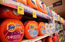 Tarp paauglių plinta nauja mada: valgo skalbimo kapsules