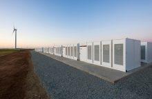 E. Muskas greičiau nei per šimtą dienų pastatė didžiausią pasaulyje akumuliatorių