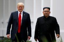 D. Trumpas: Kim Jong Unas turi padaryti reikšmingą gestą, kad atšauktų sankcijas