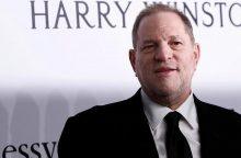 Holivudo magnatas H. Weinsteinas penktadienį turėtų pasiduoti policijai