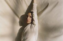 Aštuoni Lykke Li veidai: nuo meditacijos iki alkoholio gamybos